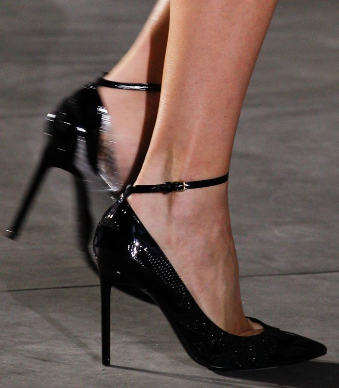 saint-laurent-spring-summer-2017-pumps-6