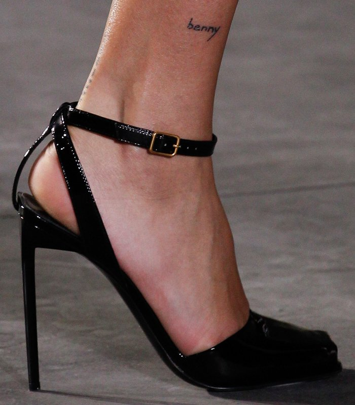 saint-laurent-spring-summer-2017-pumps-8