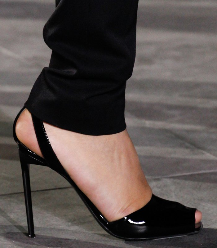 saint-laurent-spring-summer-2017-pumps