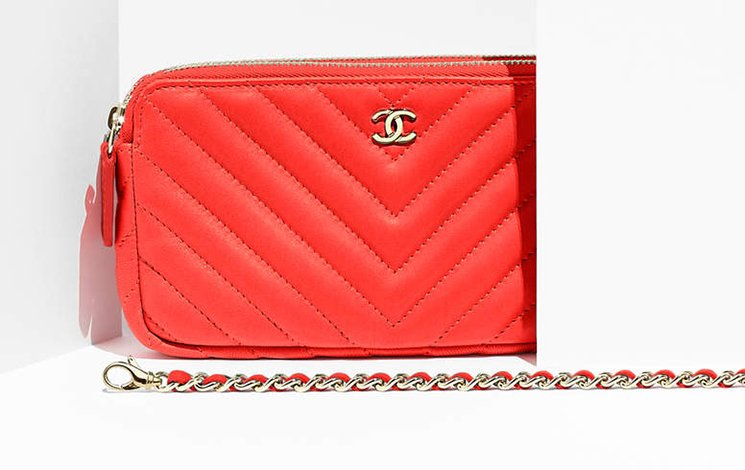 chanel-chevron-small-clutch-with-chain-2