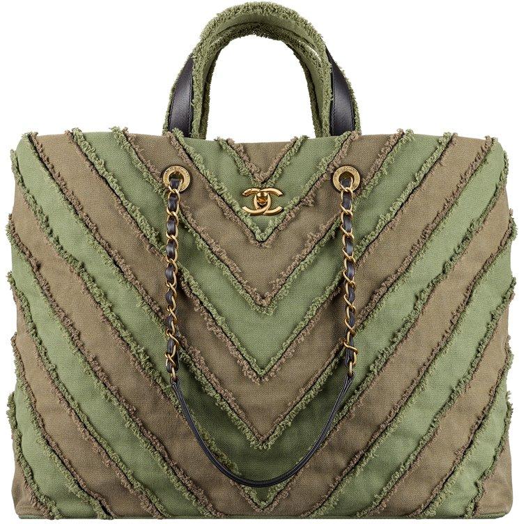 chanel-cruise-2017-seasonal-bag-collection-35
