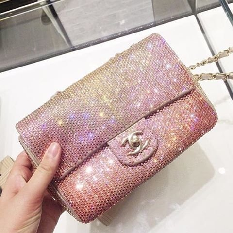 chanel-glitter-flap-bag