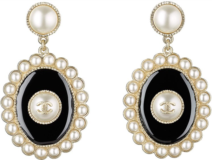 chanel-cruise-2017-earring-collection-4
