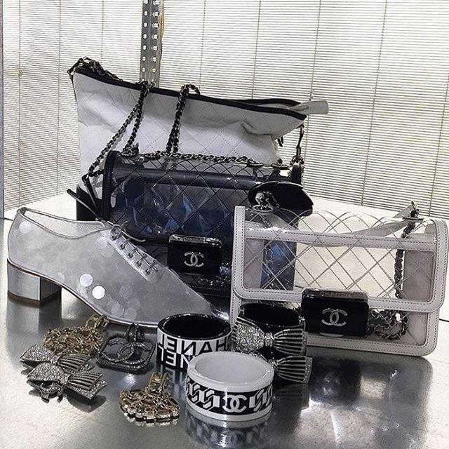 chanel-transparent-beauty-lock-bag