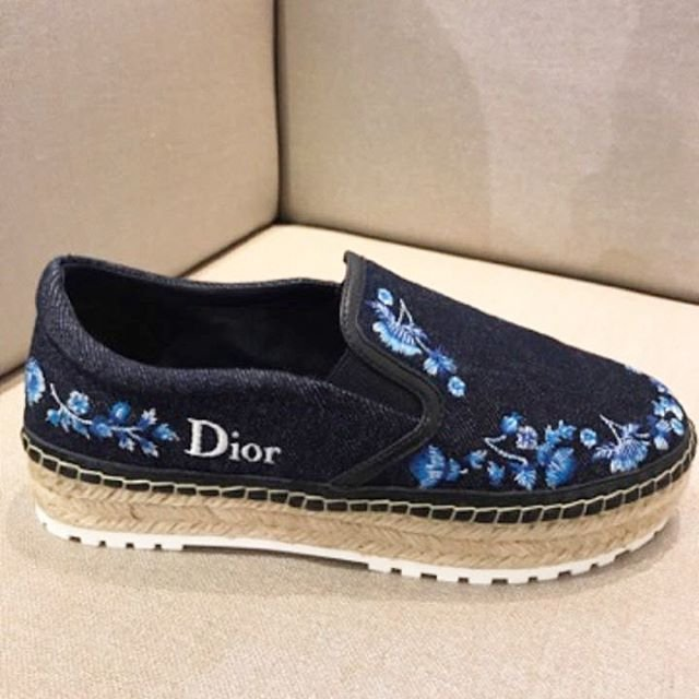 A-Closer-Look-Dior-Blue-Denim-Espadrilles