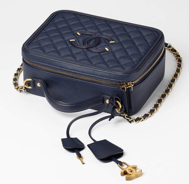 Chanel-CC-Filigree-Vanity-Case-Bag-5.