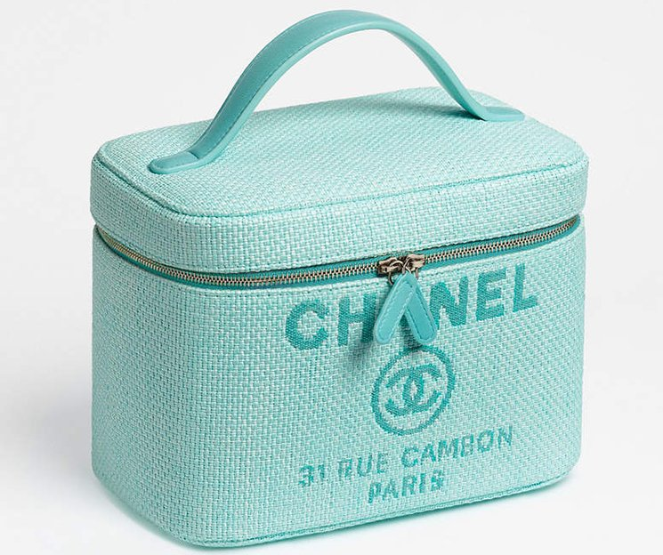 Chanel-Deauville-Vanity-Pouches-4