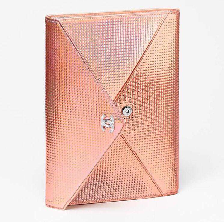 Chanel-Metallic-Studded-Clutch-Bag-6