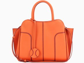 prada-monogamme-shoulder-bag-front-image