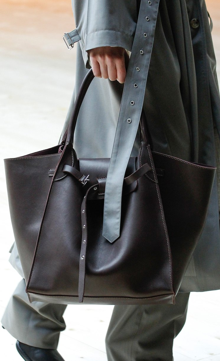Celine-Fall-Winter-2017-Runway-Bag-Collection-11