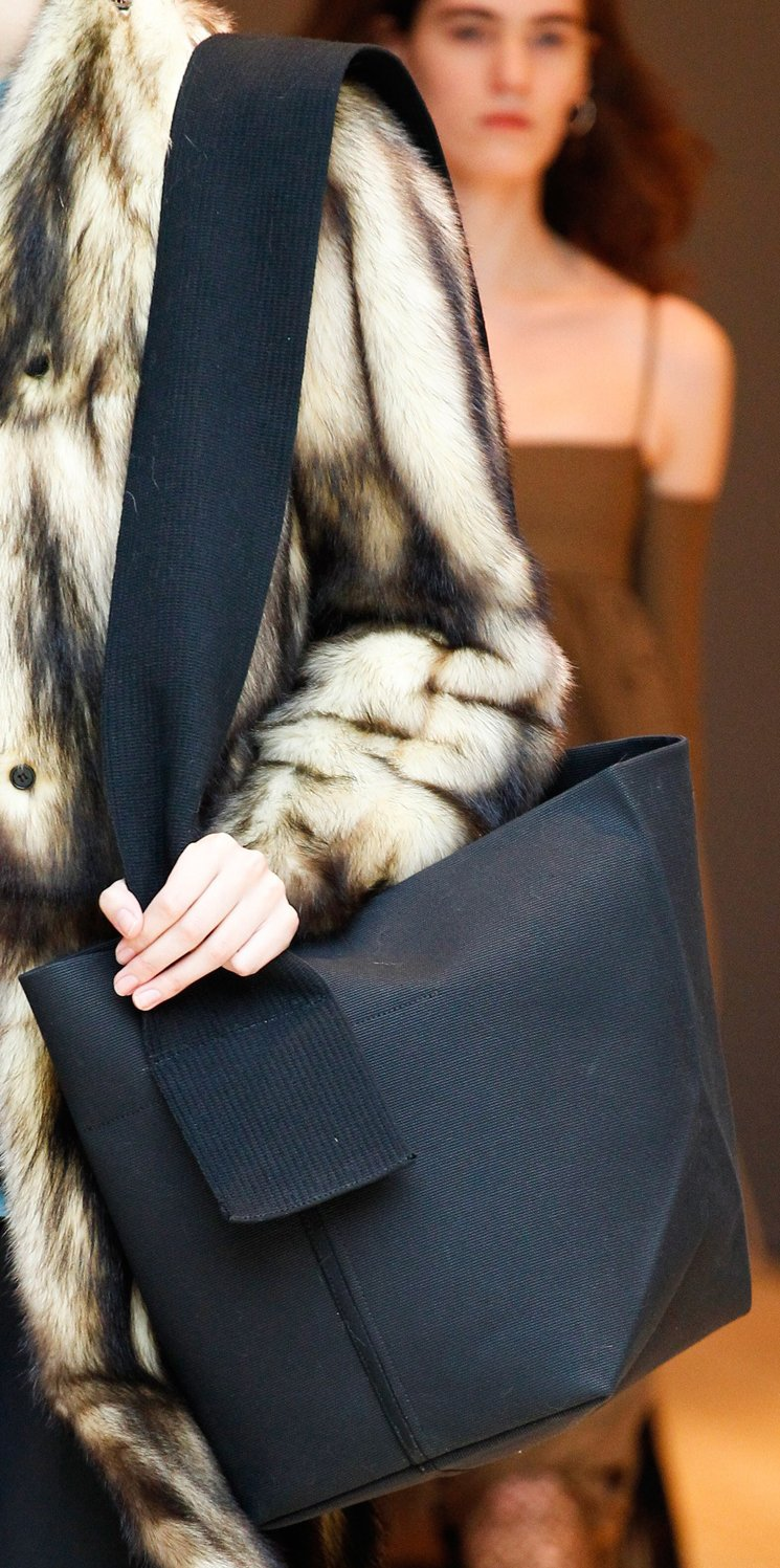 Celine-Fall-Winter-2017-Runway-Bag-Collection-14