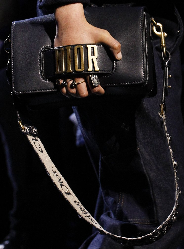 Dior-Fall-Winter-2017-Runway-Bag-collection-5