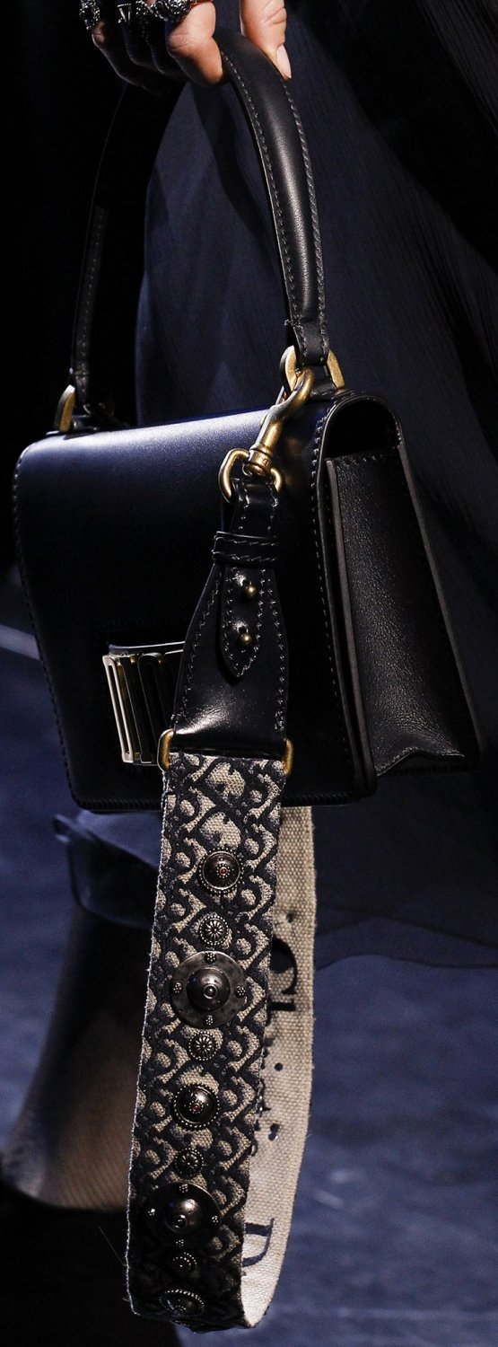 Dior-Fall-Winter-2017-Runway-Bag-collection-8