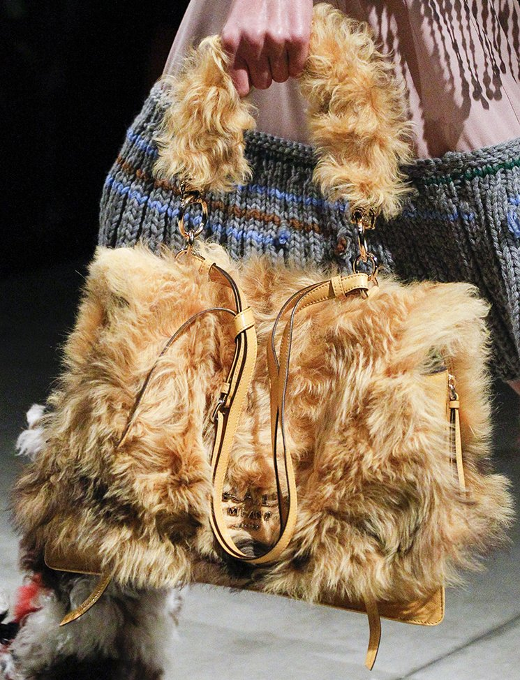Prada-Fall-Winter-2017-Runway-Bag-collection-17