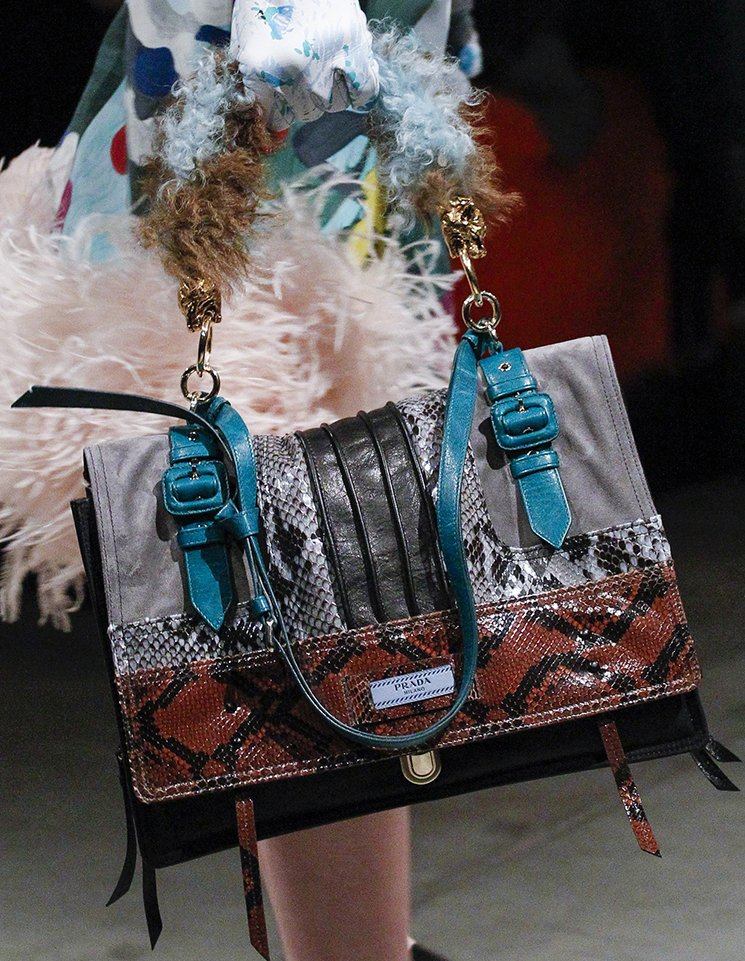 Prada-Fall-Winter-2017-Runway-Bag-collection-23