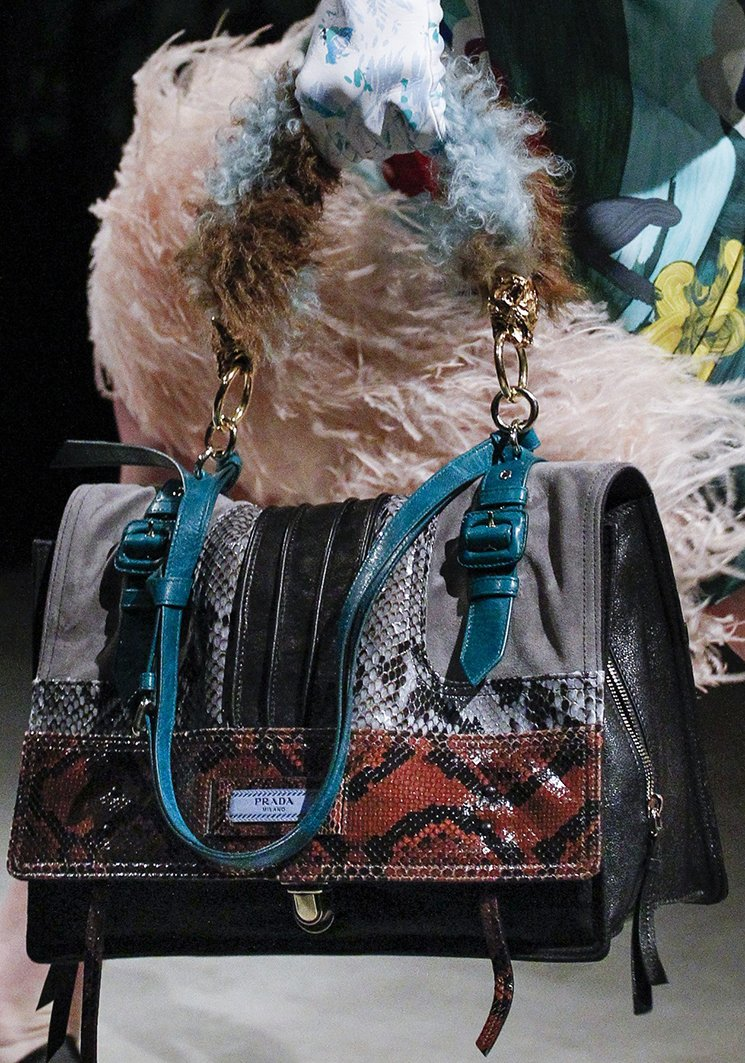 Prada-Fall-Winter-2017-Runway-Bag-collection-24