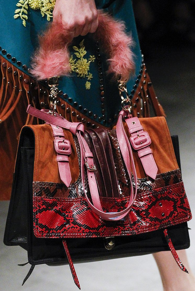 Prada-Fall-Winter-2017-Runway-Bag-collection-38