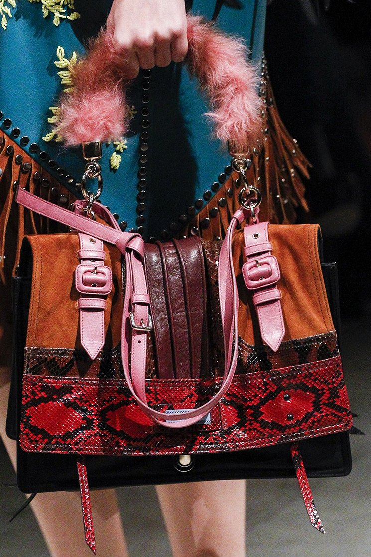 Prada-Fall-Winter-2017-Runway-Bag-collection-39