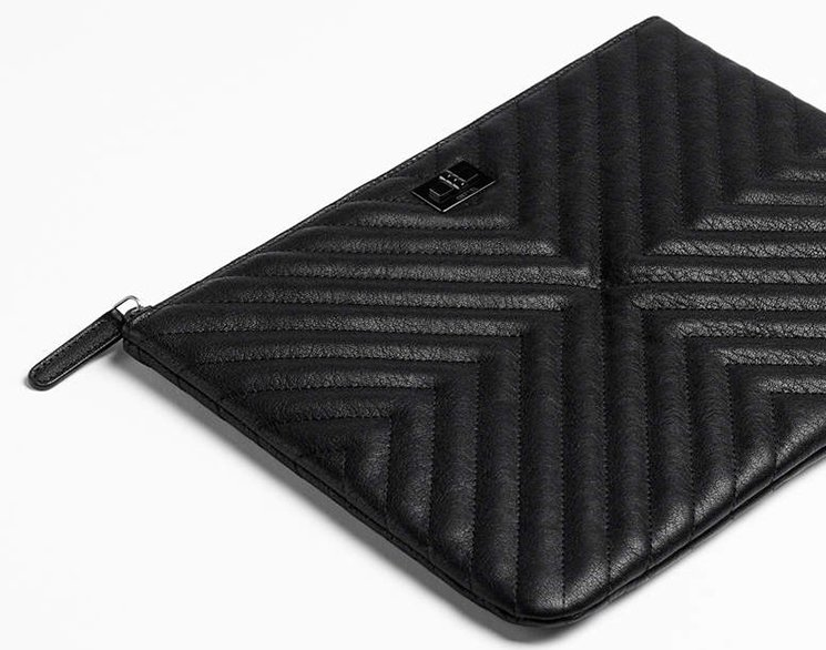 Chanel-Double-Chevron-Quilted-Reissue-2.55-O-Case-2