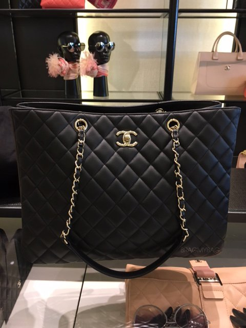 7b1ee0ecebcc The Ultimate Chanel Classic Shopping Tote Review