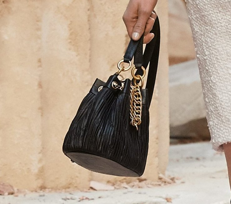 Chanel-Cruise-2018-Runway-Bag-Collection-1-10