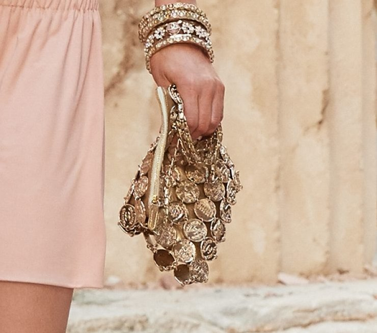 Chanel-Cruise-2018-Runway-Bag-Collection-1-14