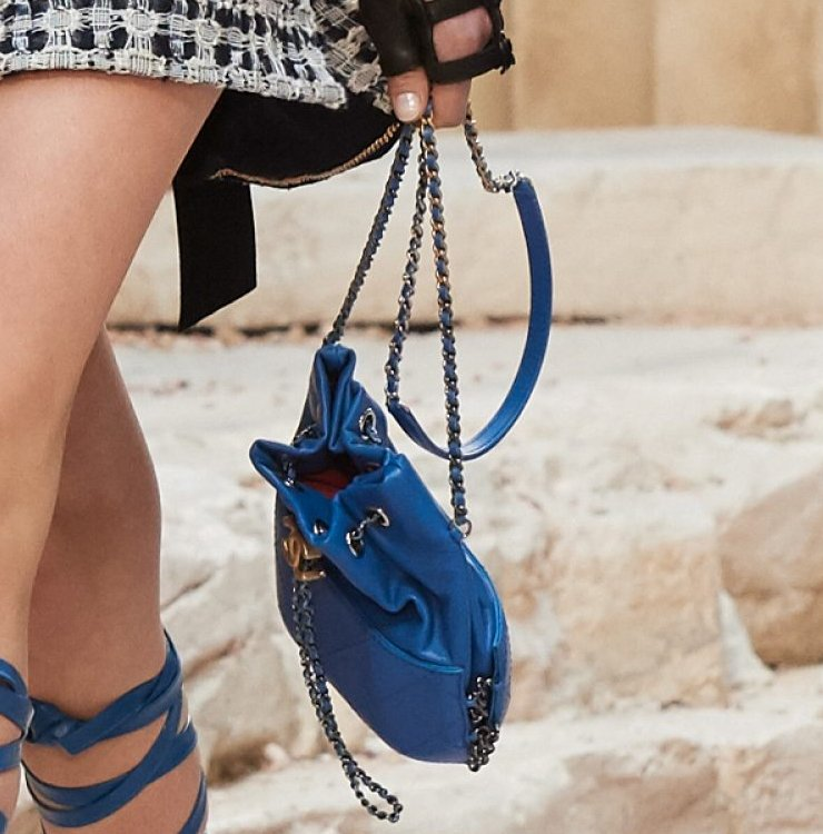 Chanel-Cruise-2018-Runway-Bag-Collection-1-7