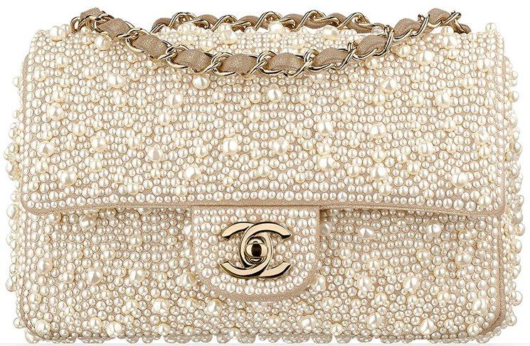 Chanel-Métiers-d'Art-2016-17-Paris-Cosmopolite-10