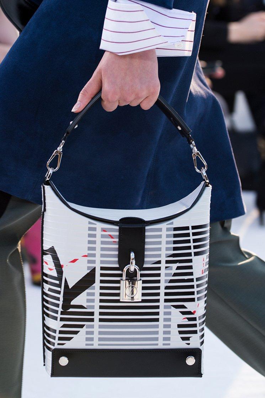 Louis-Vuitton-Cruise-2018-Runway-Bag-Collection-6