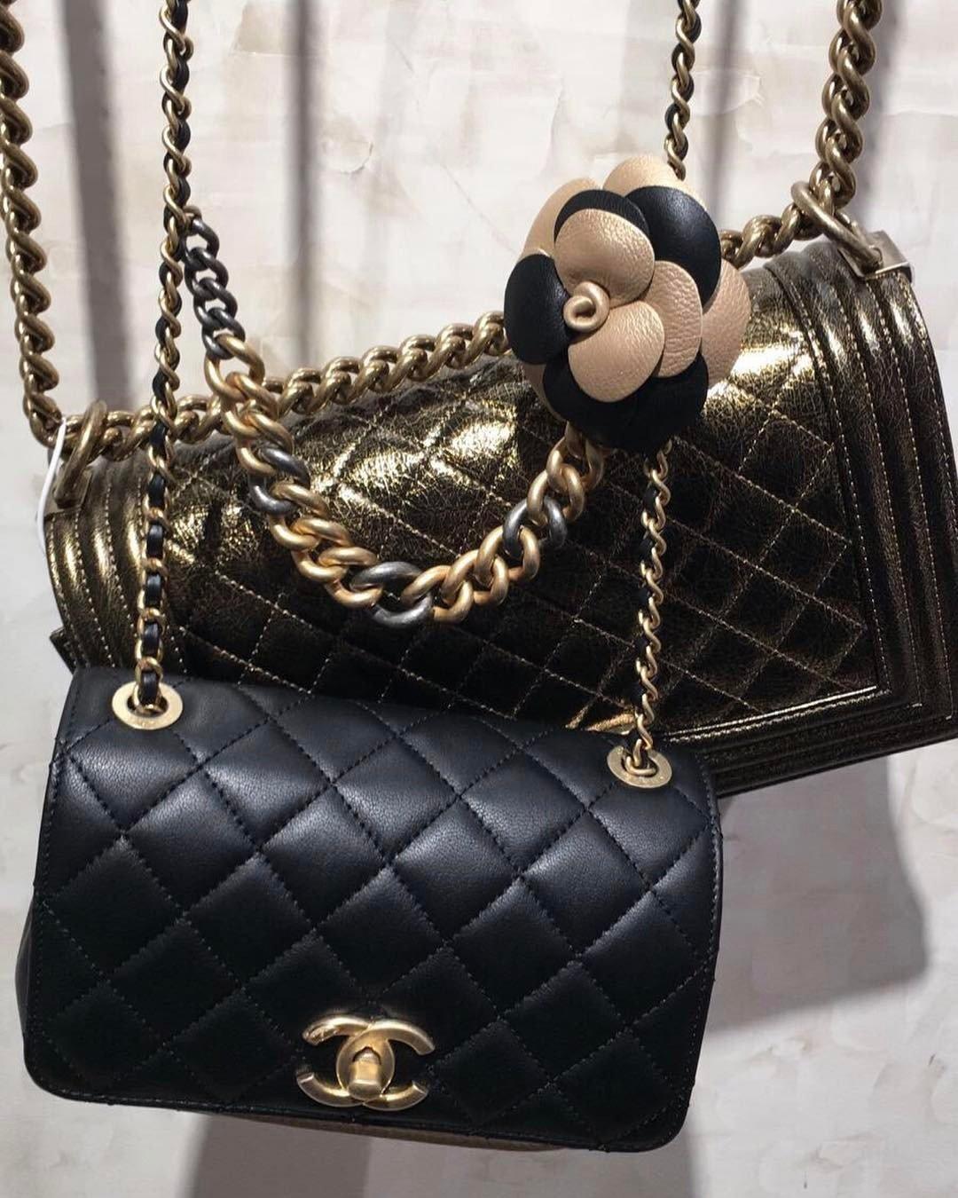Chanel-Camellia-Flower-Bag-3