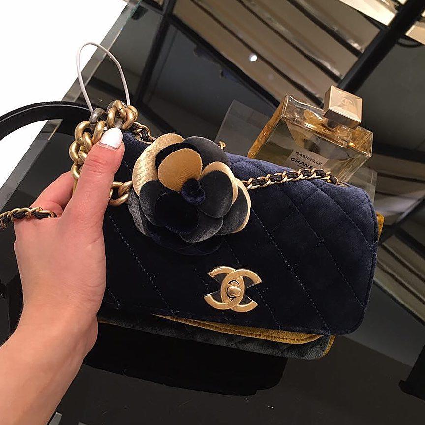 Chanel-Camellia-Flower-Flap-Bag