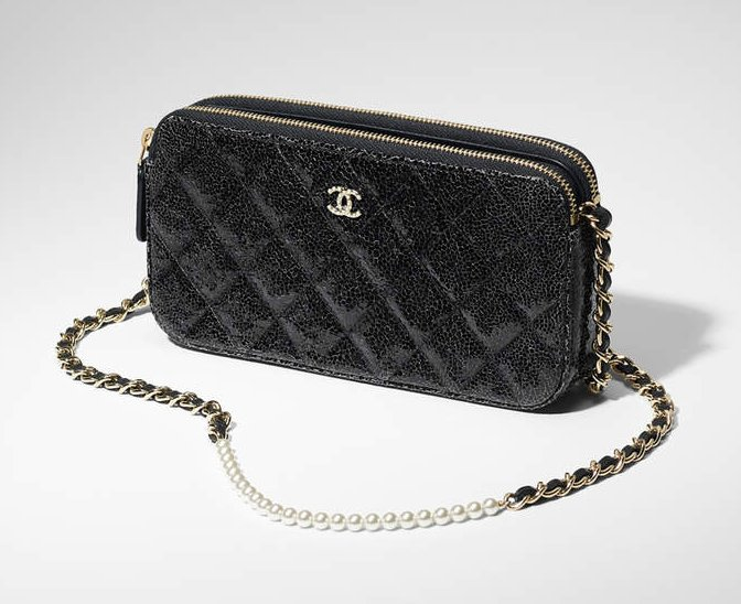 Chanel-Pearl-Clutch-With-Chain-Crackled-Patent-2