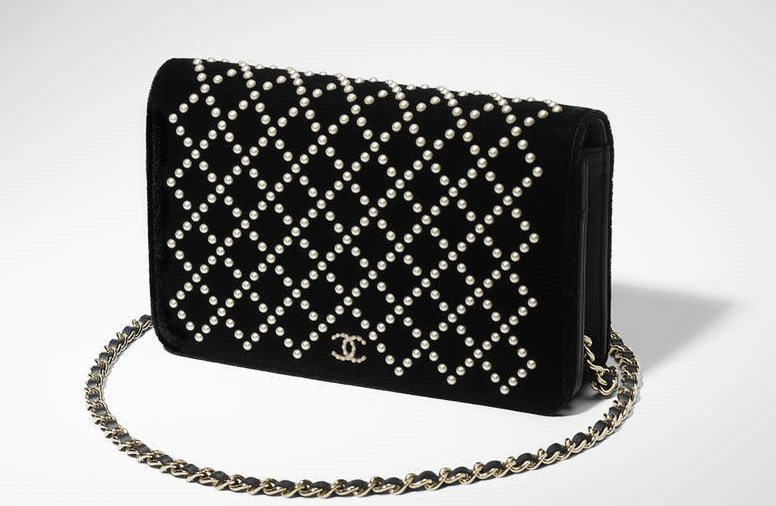Chanel-Pearl-Quilted-WOC-2