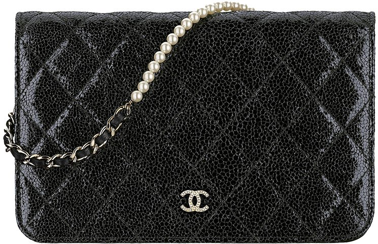 Chanel-Pearl-Wallet-On-Chain-3