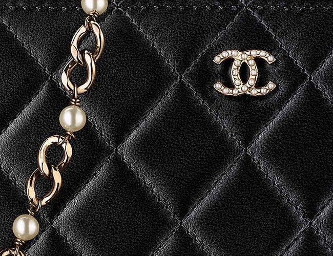 26710e0f4838 Chanel Small Clutch with Pearl Chain | Bragmybag