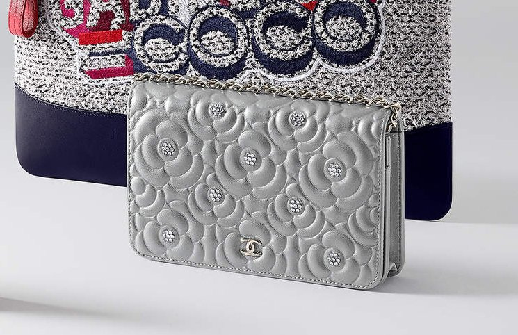 Chanel-Diamante-Camellia-Quilted-WOC-2