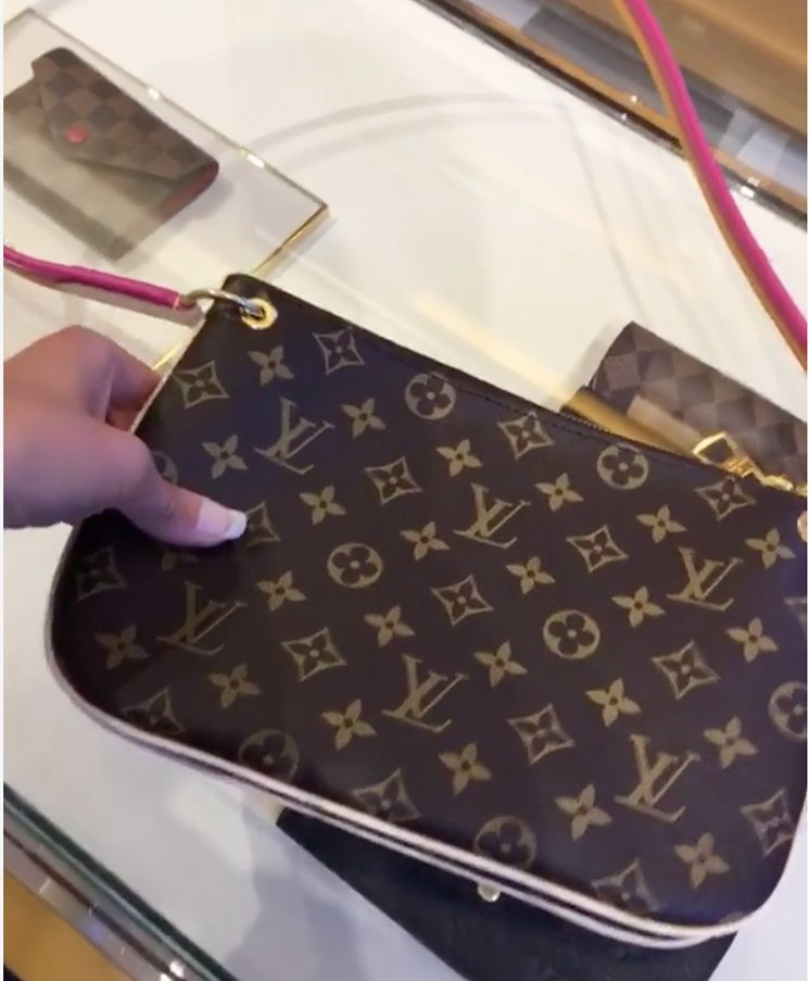 Louis-Vuitton-Lorette-Bag-13