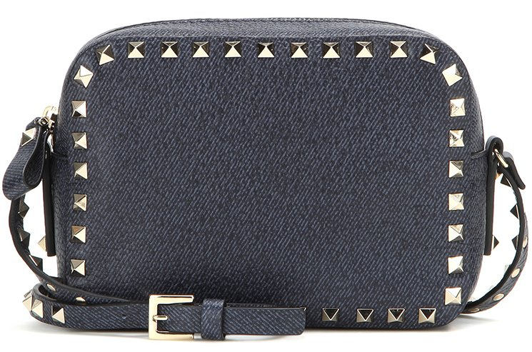 Valentino-Garavani-Rockstud-Shoulder-Bag-4