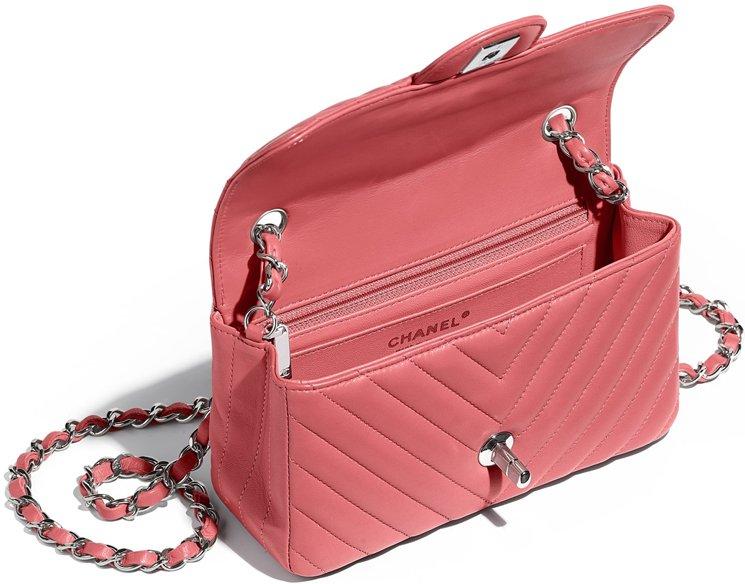 924dd23780f0 chanel-extra-mini-classic-flap-bag-interior
