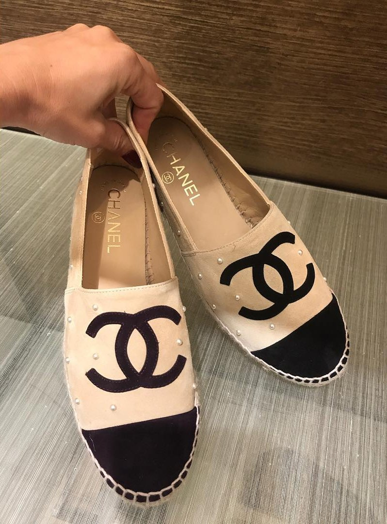 Chanel-CC-Espadrilles-with-Pearls-5