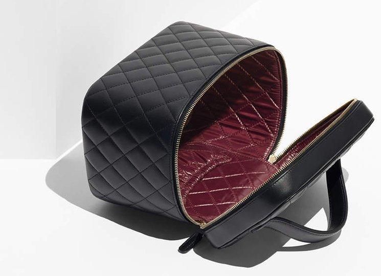 Chanel-Trendy-CC-Vanity-Pouches-interior