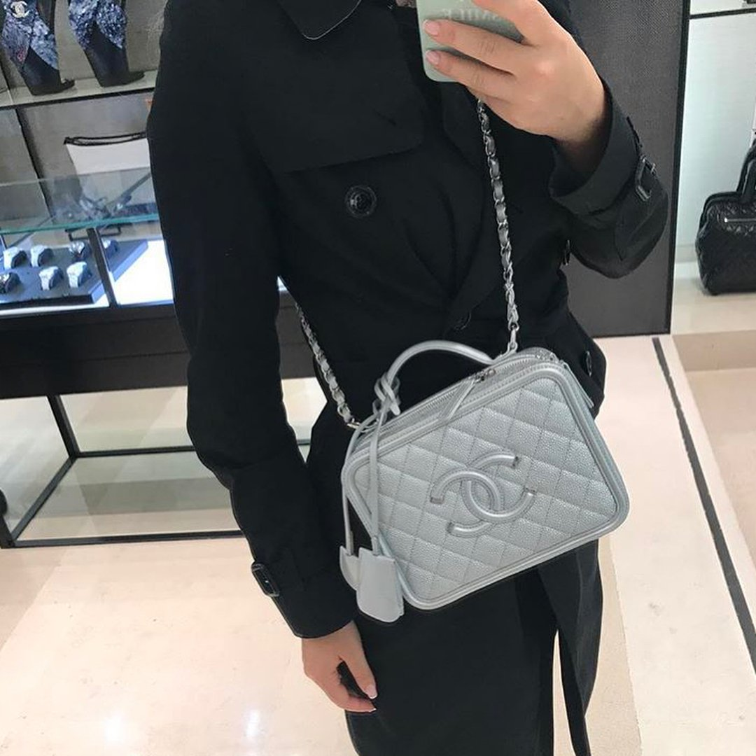 f2c8b54c22fc Chanel-CC-Filigree-Bag-Review-10