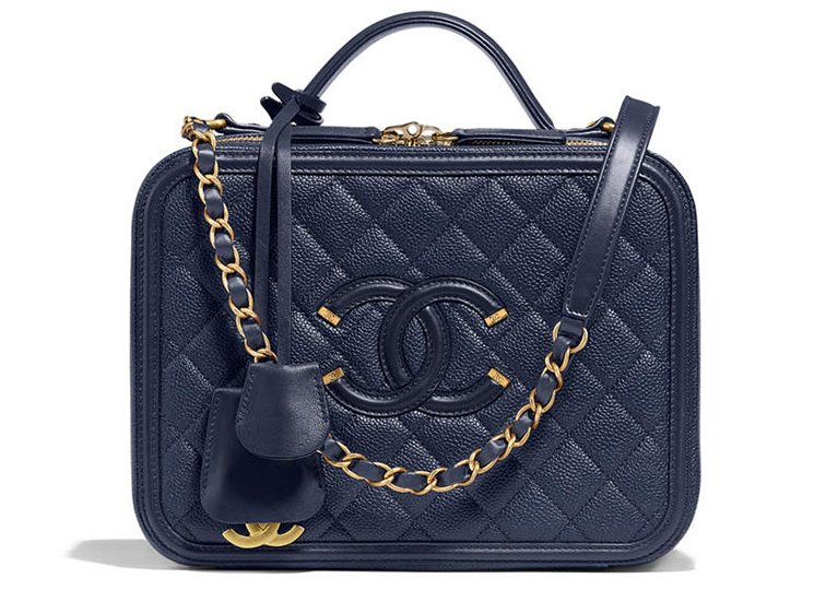 Chanel-CC-Filigree-Bag-Review-4