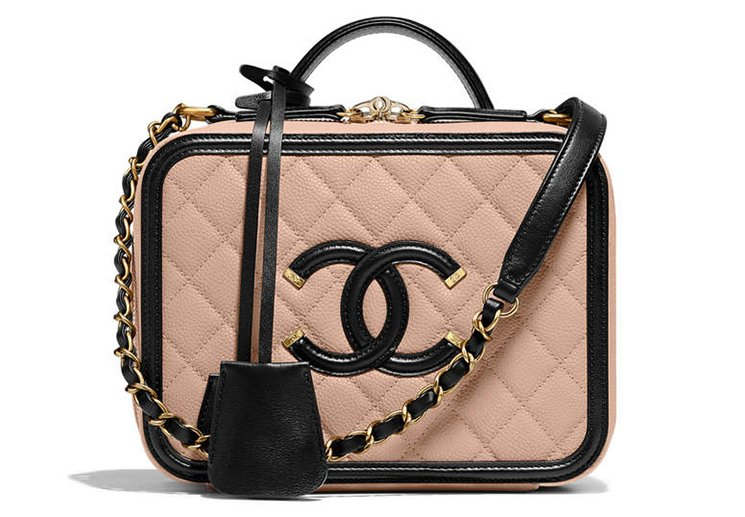 Chanel-CC-Filigree-Bag-Review-6