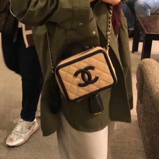 Chanel-CC-Filigree-Bag-Review-8