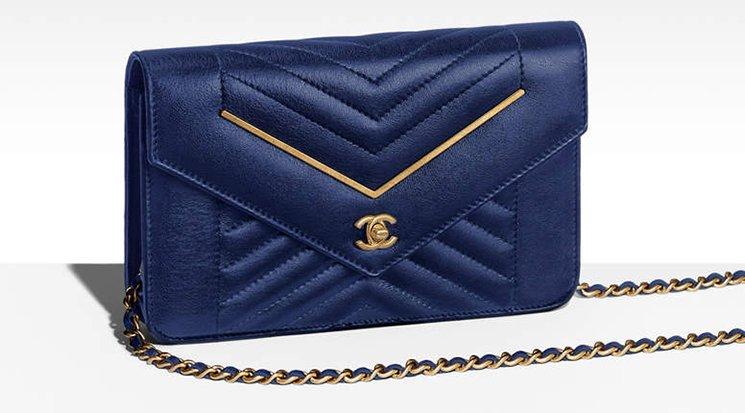 Chanel-Reversed-Chevron-V-Bags-12