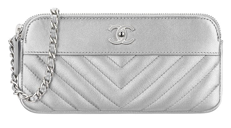 Chanel-Smooth-Chevron-Clutch-with-chain