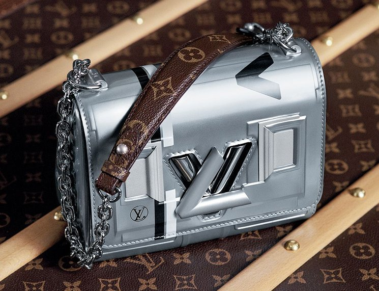 Louis-Vuitton-Futuristic-Bag-4