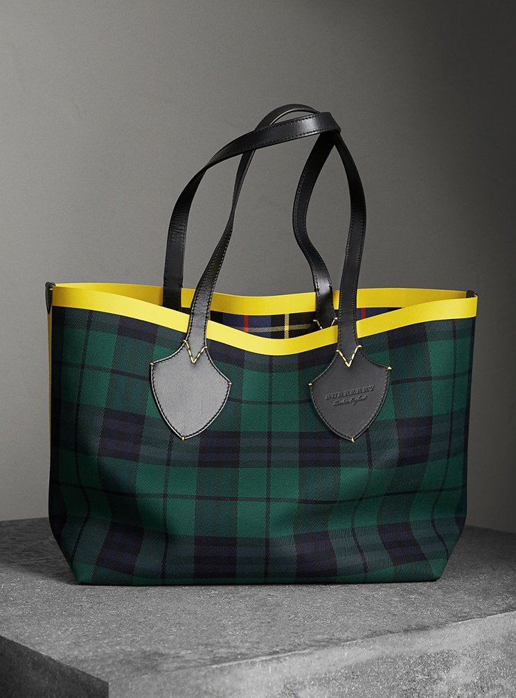 Burberry-Giant-Reversible-Bag-13