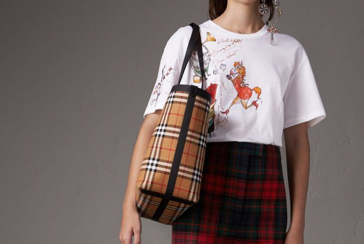 Burberry-Giant-Reversible-Bag-3